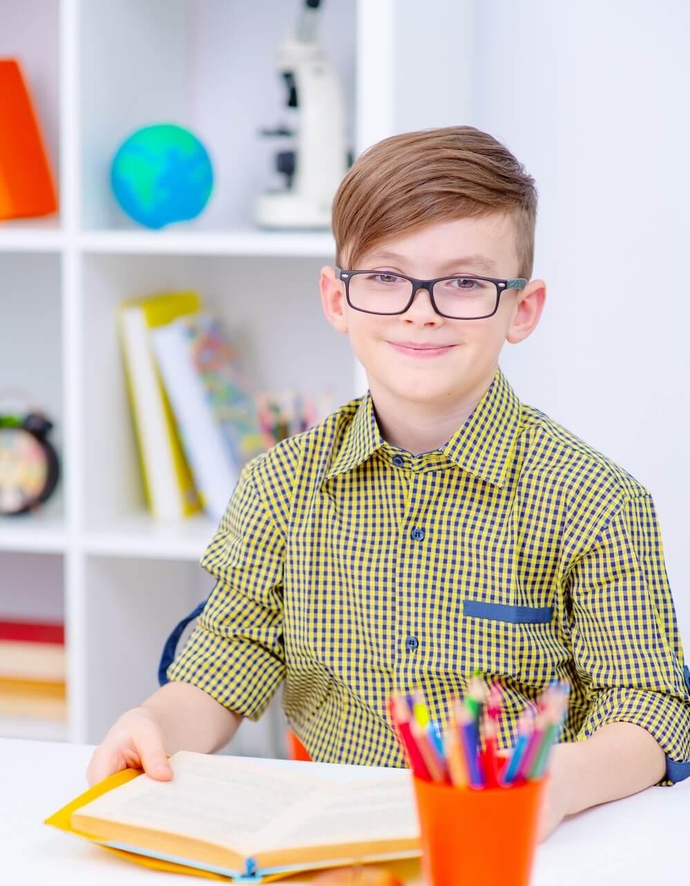 Не только стол и стул: организуем рабочее место для школьника